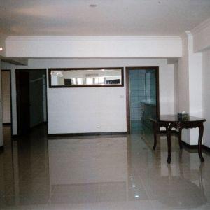 客厅大立石与餐厅木地板效果图